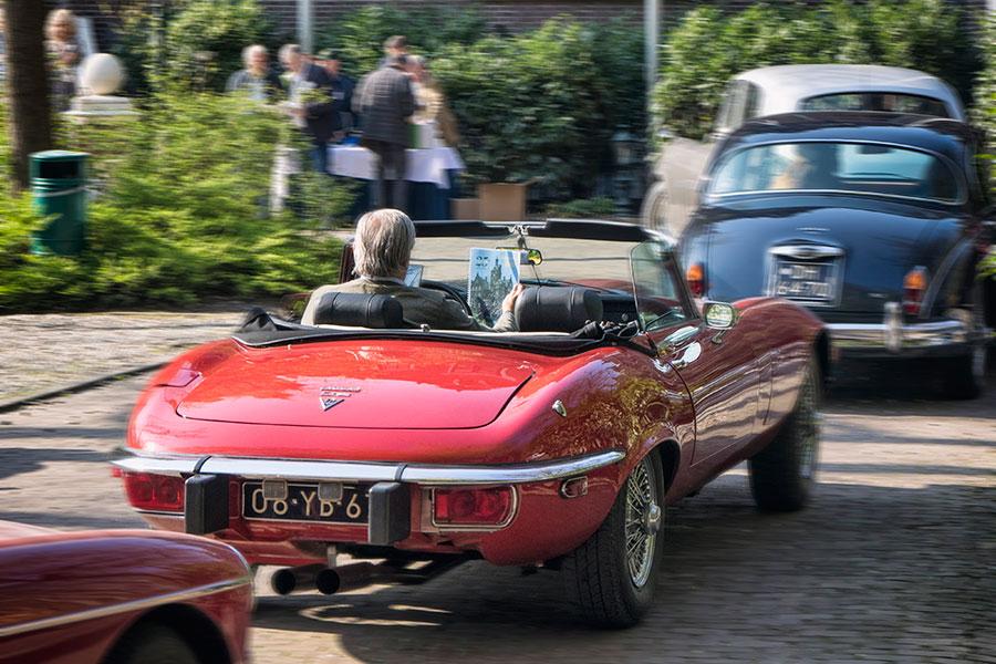 Rij zelf met een Jaguar E-type Roadster tijdens een klassieker arrangement